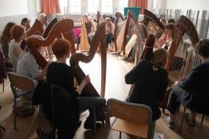 Phamie conducting masterclass in French in Dinan, France